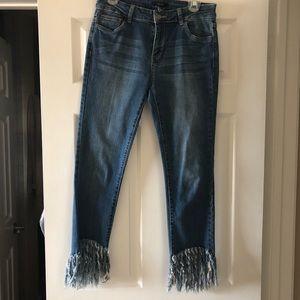 Fringe hemmed jeans